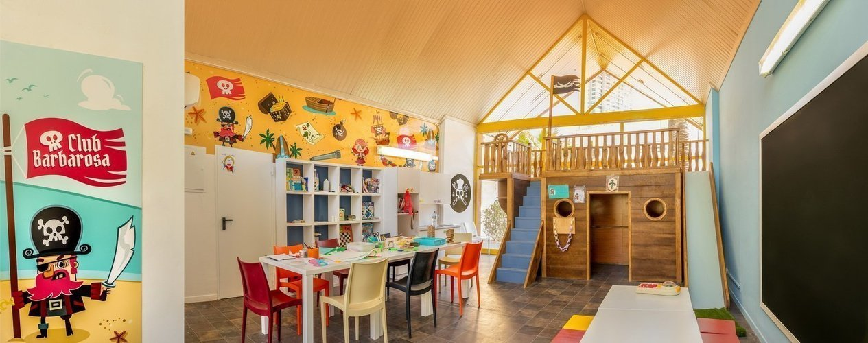 'barbarosa' kids club magic tropical splash aparthotel benidorm