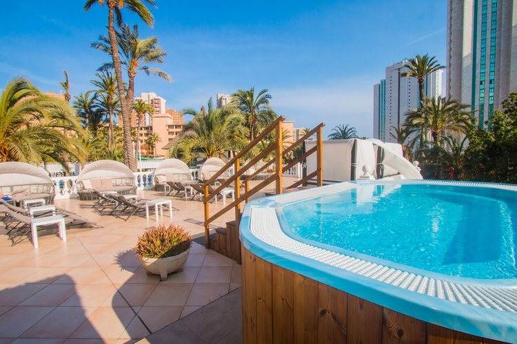 Chillout magic tropical splash aparthotel benidorm