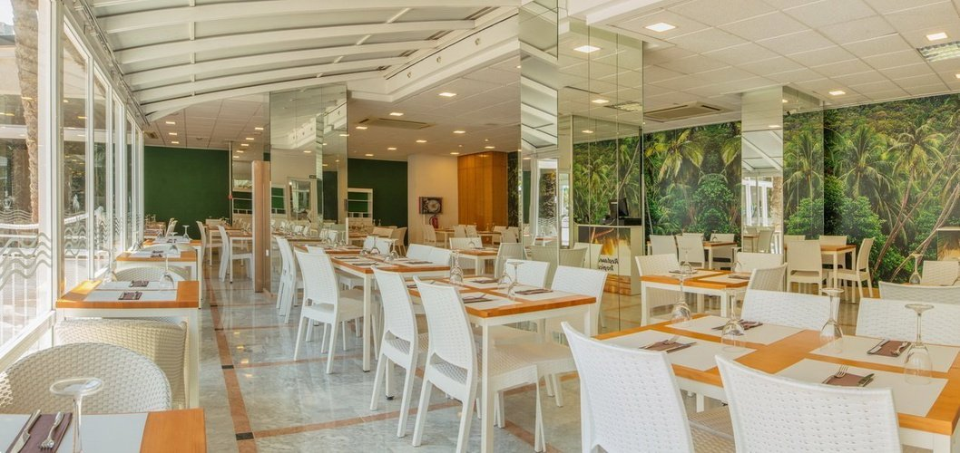Restaurant 'Tropical' Magic Tropical Splash Aparthotel Benidorm