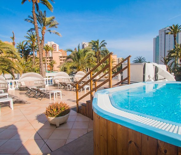 AREAS FOR ADULTS ONLY Magic Tropical Splash Aparthotel Benidorm